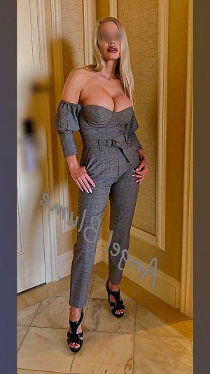 Anne-aurore escort in Parkland