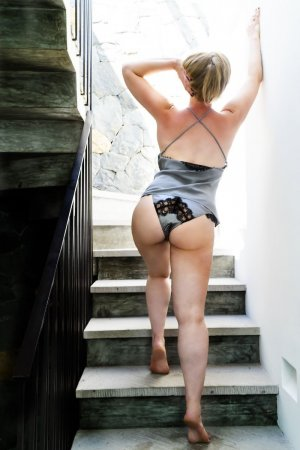 Adoline escort girl in Danbury Connecticut