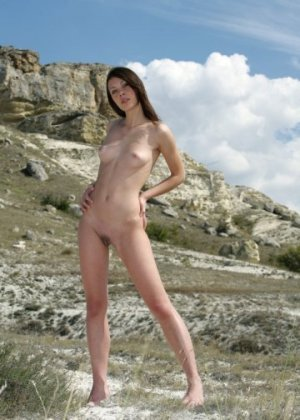 Romaisa escort girl