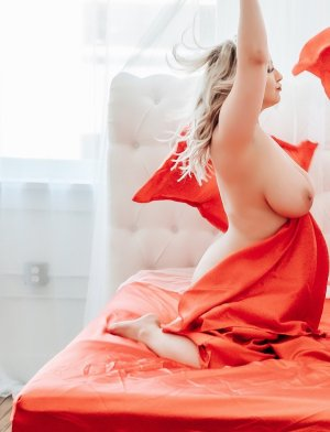 Selenya escort girl